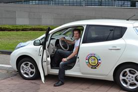 Un utilisateur de voiture électrique