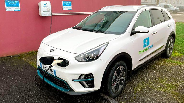 Recharge d'un véhicule électrique e-niro Chargemap sur une borne Freshmile