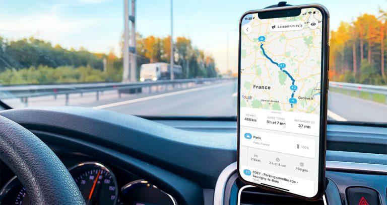 fonctionnalité planificateur d'itinéraire dans l'application Chargemap à bord d'une voiture électrique