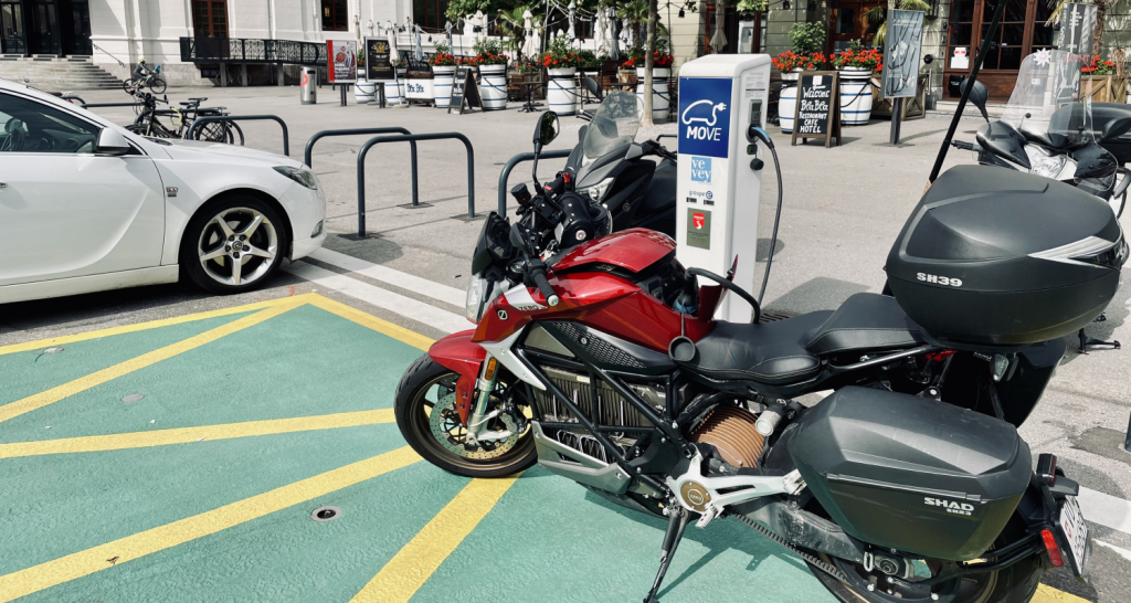 Zero SR/F electric motorcycle charging