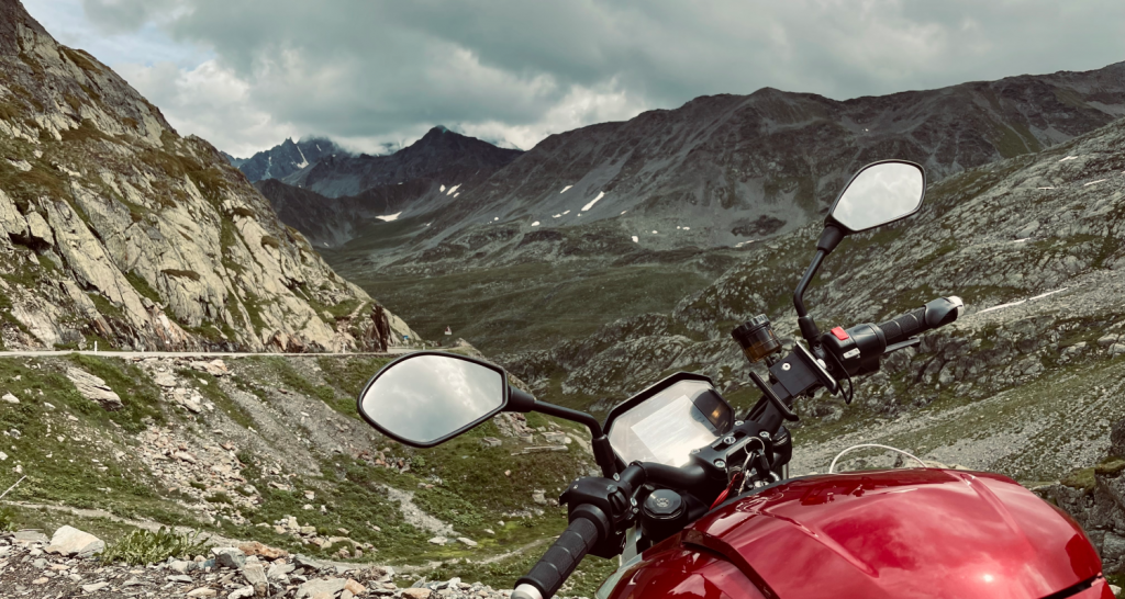 Electric motorcycle Zero SR/F on a mountain road